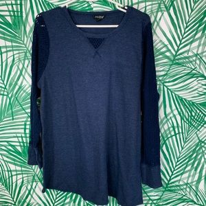 Lucky Brand 1X navy blue lace sleeve thermal top